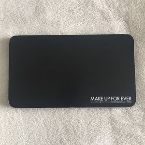 Make Up For Ever XL refillable makeup palette